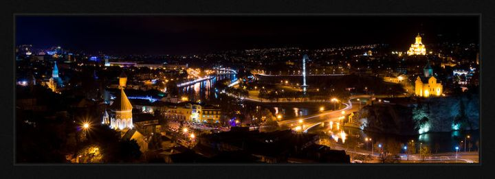 799px-Tbilisi_night